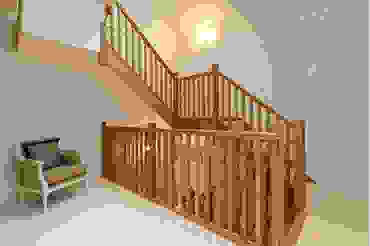 Mercier Road, Putney Pasillos, vestíbulos y escaleras de estilo moderno de Concept Eight Architects Moderno