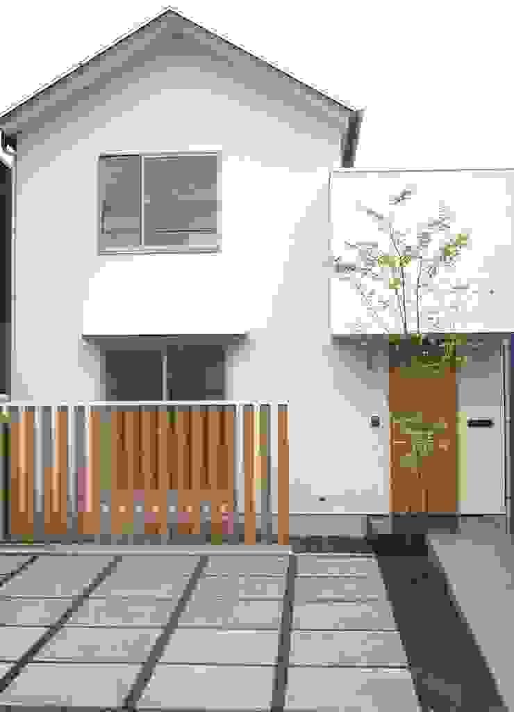 外観-ファサード の アース・アーキテクツ一級建築士事務所 ミニマル 無垢材 多色
