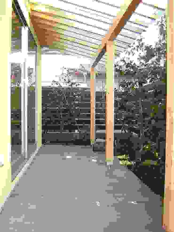 テラス 和風デザインの テラス の アース・アーキテクツ一級建築士事務所 和風 木 木目調