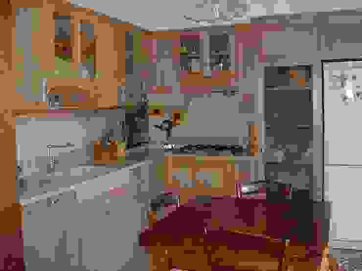 Cucine di Falegnameria Martinelli Sergio Classico Legno Effetto legno