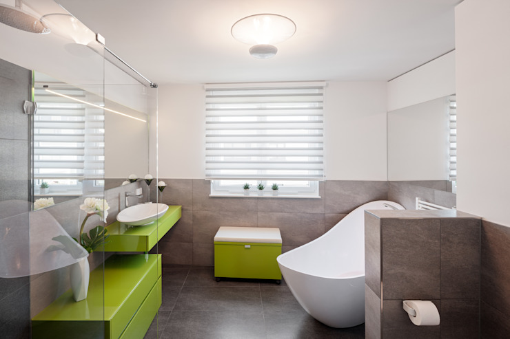 Salle de bain minimaliste par homify Minimaliste