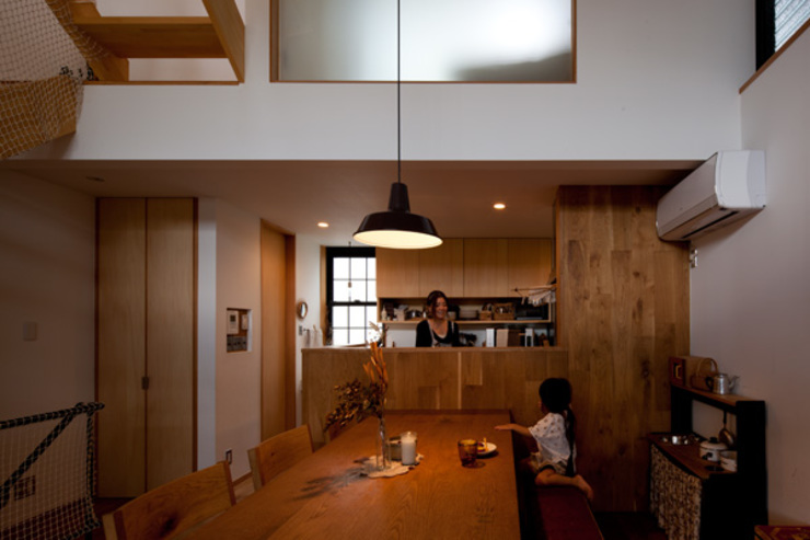 Eclectic style dining room by 藤森大作建築設計事務所 Eclectic