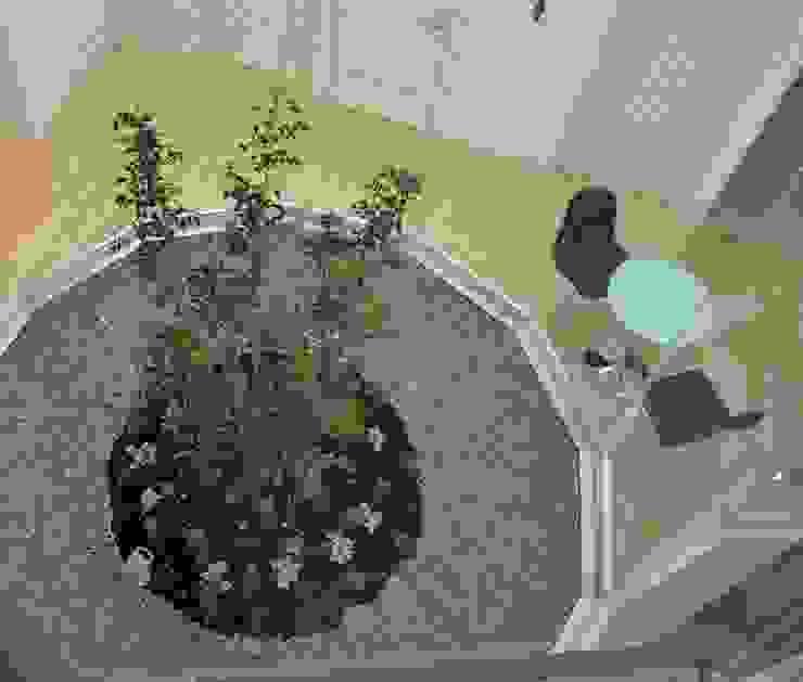 ライトコート俯瞰 モダンな庭 の 有限会社Y設計室 モダン