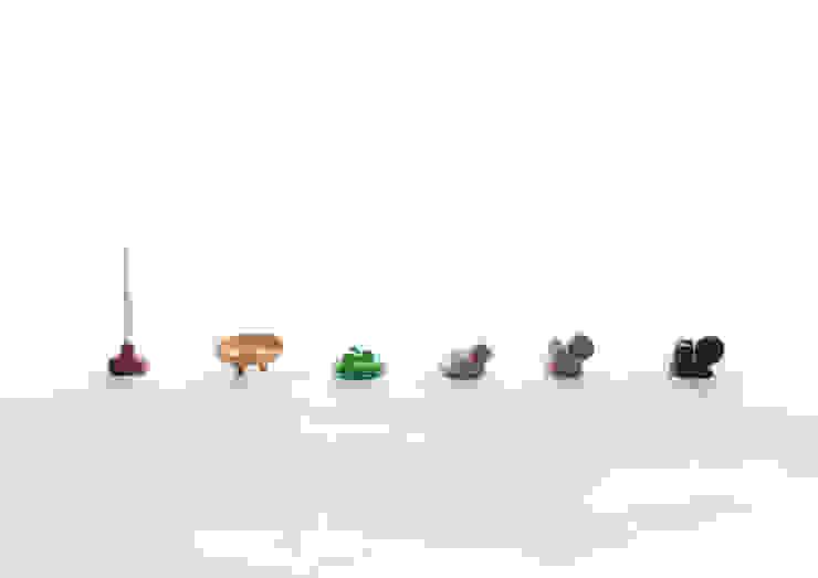 Plop - kaarshouder: modern  door Jochem Kruizinga, Modern Keramiek