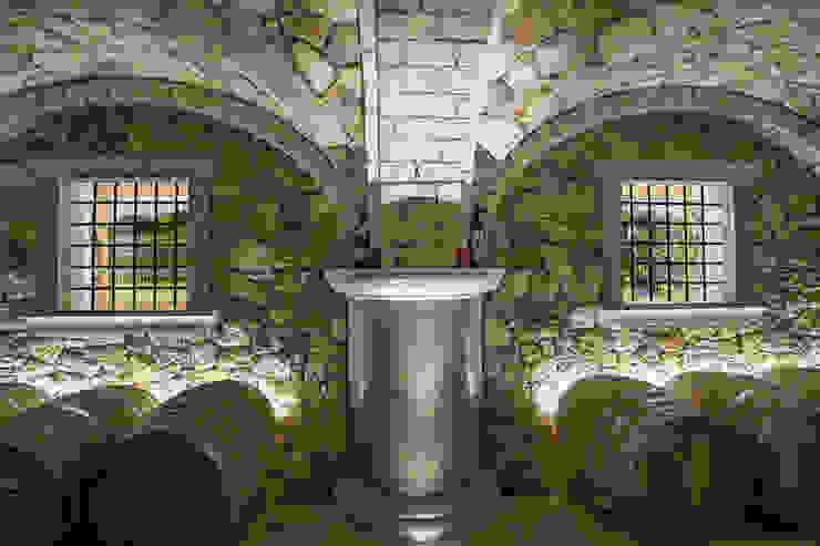 Quintarelli Pietre e Marmi Srl Rustic style wine cellar