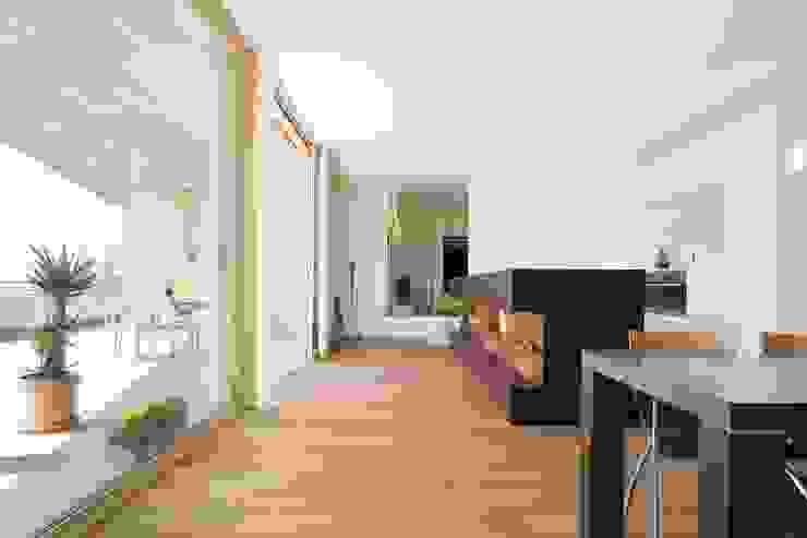 Hanggleiter Moderne Wohnzimmer von Q-rt Architektur Modern