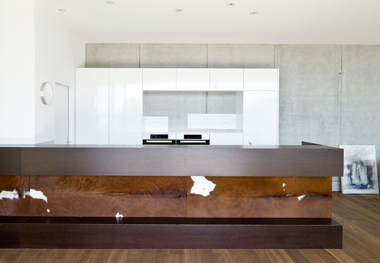 Hanggleiter Moderne Küchen von Q-rt Architektur Modern