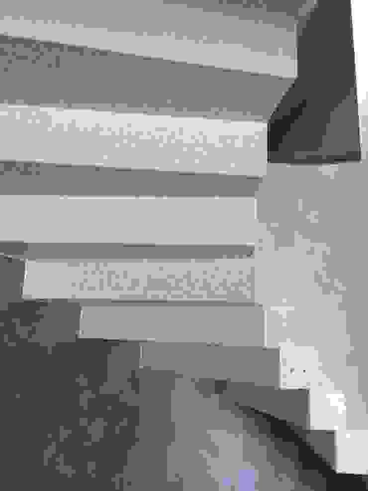 Quintarelli Pietre e Marmi Srl Pasillos, vestíbulos y escaleras de estilo moderno