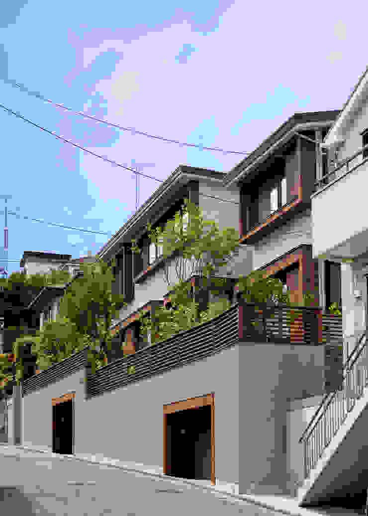 神木本町の家 モダンな 家 の 向山建築設計事務所 モダン 木 木目調