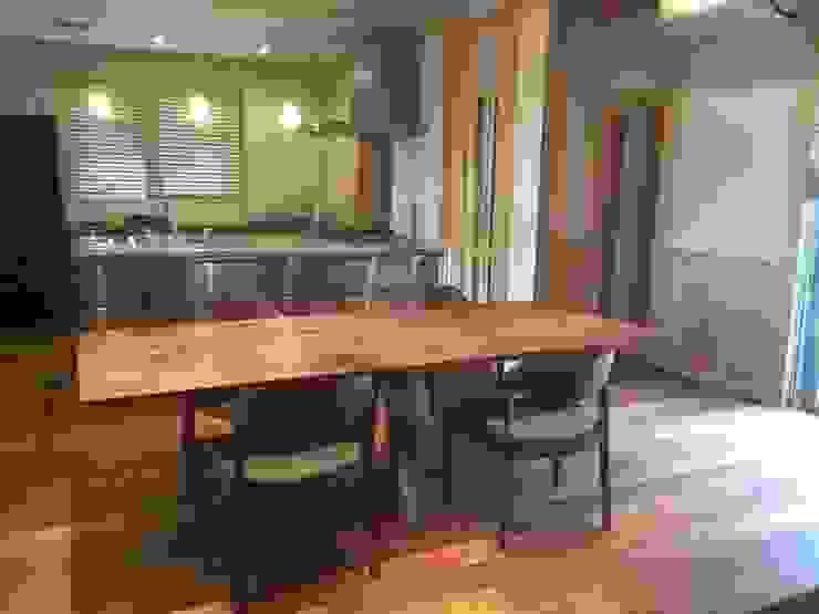 ダイニングテーブルに合わせて設計したダイニングルーム: 家具の福岳が手掛けたスカンジナビアです。,北欧 木 木目調