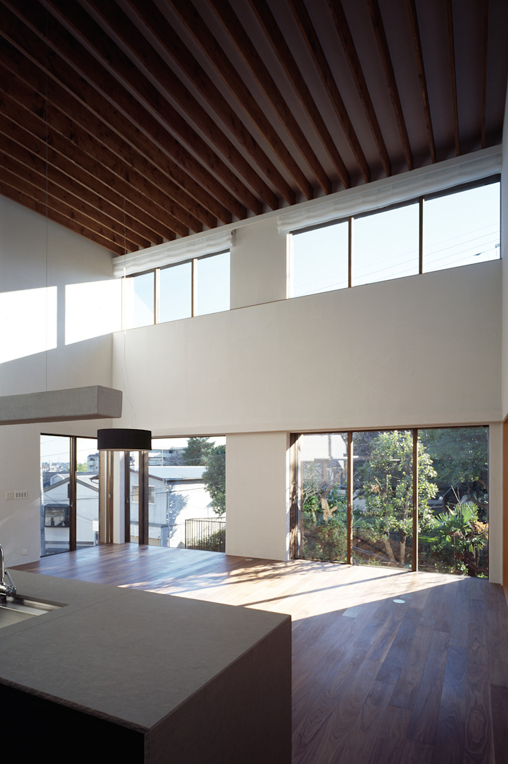 神木本町の家 モダンデザインの リビング の 向山建築設計事務所 モダン