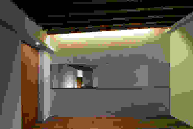 神木本町の家 モダンスタイルの寝室 の 向山建築設計事務所 モダン