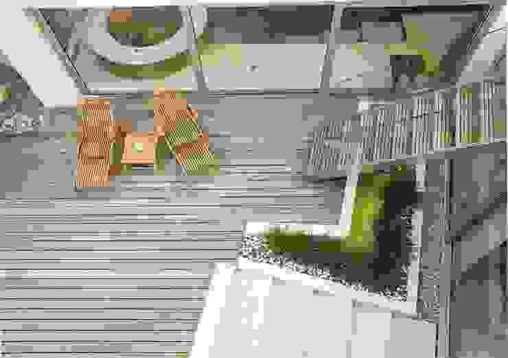 A private garden in West Hampstead, London Балконы и веранды в эклектичном стиле от Bowles & Wyer Эклектичный
