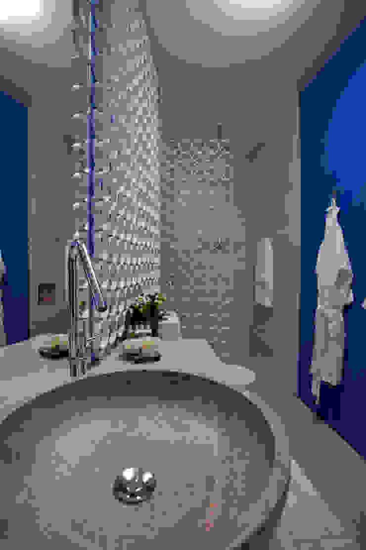 Modern style bathrooms by Anna de Matos - Designer de Ambientes e Paisagismo Modern