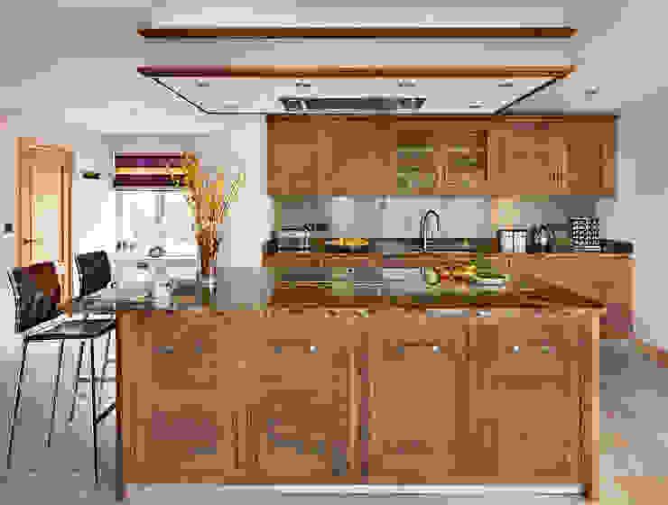Grosvenor | Walnut And Marble Elegance Modern Kitchen by Davonport Modern Wood Wood effect
