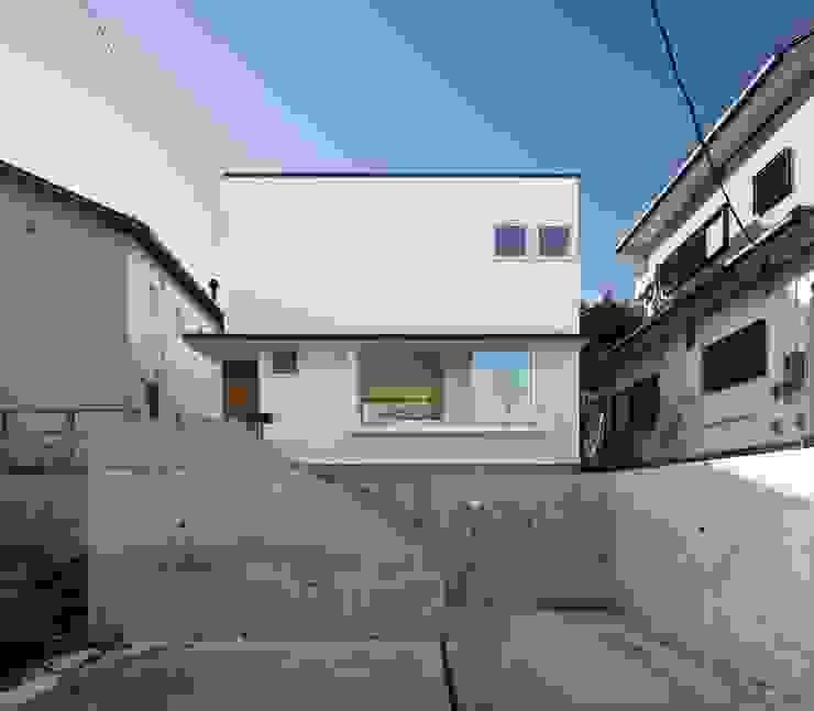 寺尾台の家 モダンな 家 の 向山建築設計事務所 モダン