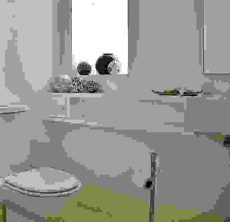 Casa minimalista na metrópole Banheiros minimalistas por Kika Prata Arquitetura e Interiores. Minimalista