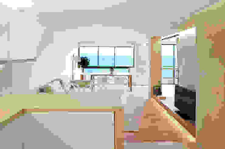Sala da pranzo moderna di Barea + Partners Moderno
