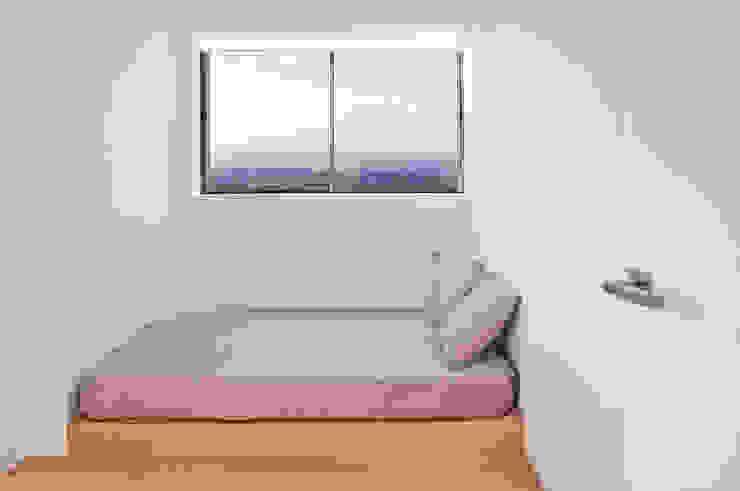 CASA HORIZON Dormitorios de estilo moderno de Barea + Partners Moderno
