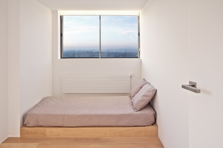 Camera da letto moderna di Barea + Partners Moderno