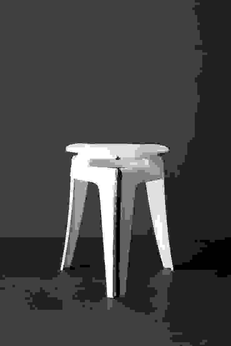 Weld Stool White: modern  door Studio Joris de Groot, Modern