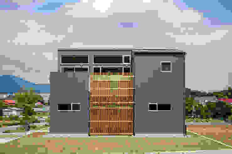 平塚の家 モダンな 家 の 萩原健治建築研究所 モダン