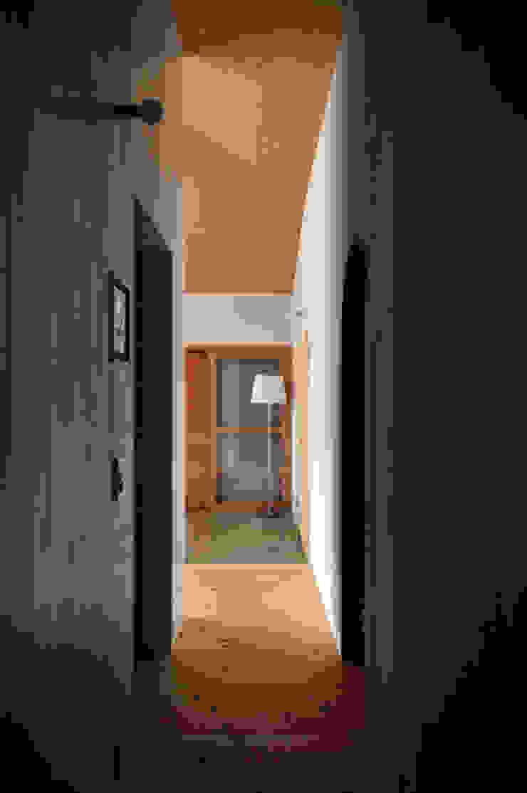 池田町の平屋 モダンスタイルの 玄関&廊下&階段 の スペースワイドスタジオ モダン
