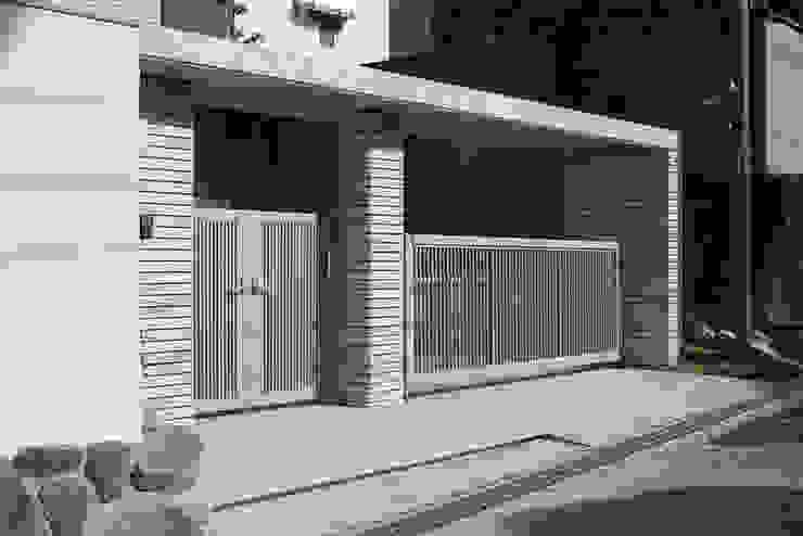 門塀 モダンな 家 の 一級建築士事務所エイチ・アーキテクツ モダン タイル