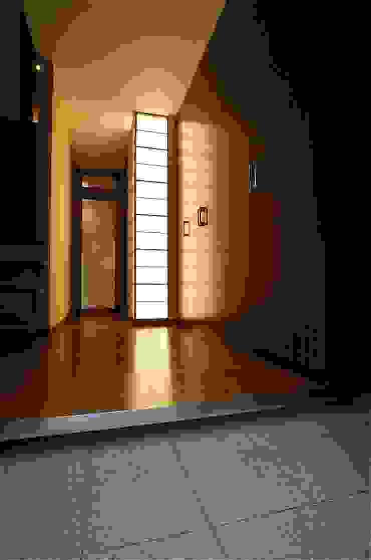 これからも自分らしく歩むための居所 -楽庵ー 和風スタイルの 壁&フローリングデザイン の atelier shige architects /アトリエシゲ一級建築士事務所 和風 木 木目調