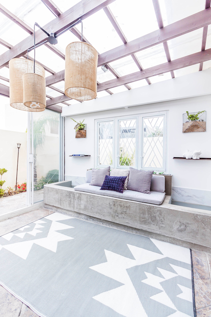 SZTUKA Laboratorio Creativo de Arquitectura Eclectic style houses Grey