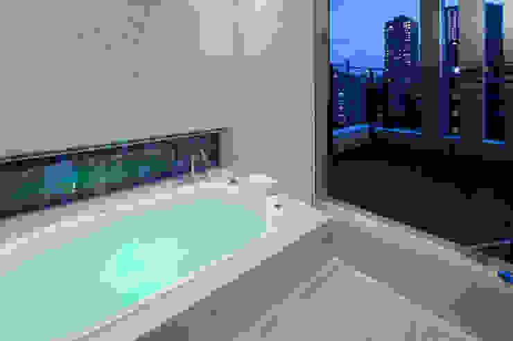 バスルーム モダンスタイルの お風呂 の K2・PLAN 株式会社本多建築設計事務所 モダン タイル