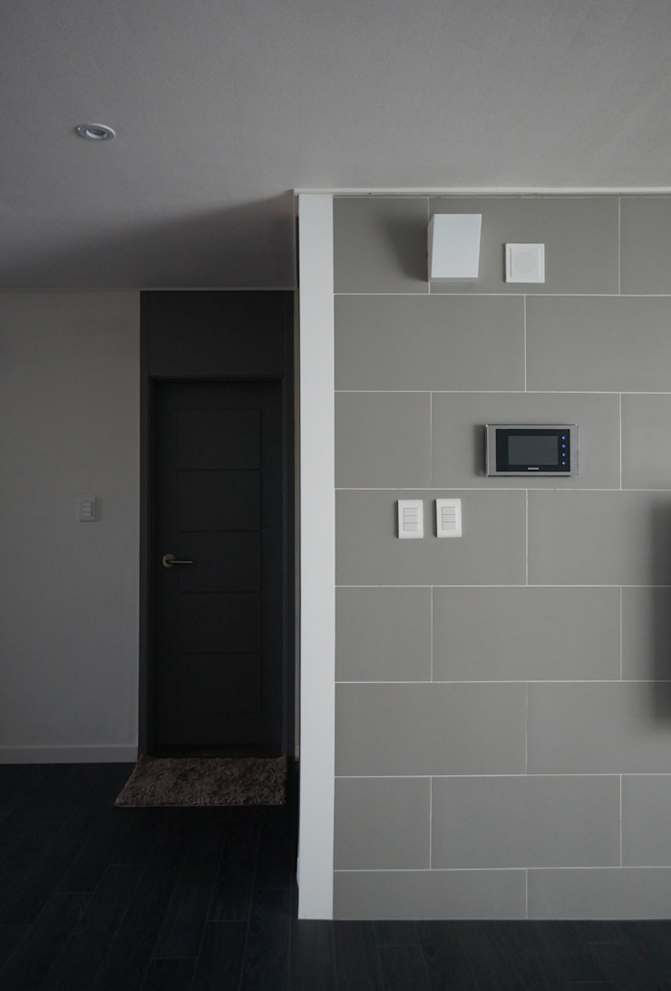 33평형 모던 아파트 인테리어 모던스타일 거실 by 마르멜로디자인컴퍼니 모던