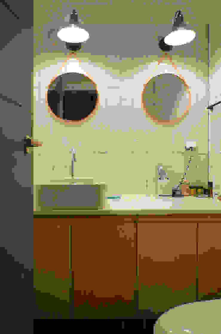 33평형 모던 아파트 인테리어 모던스타일 욕실 by 마르멜로디자인컴퍼니 모던