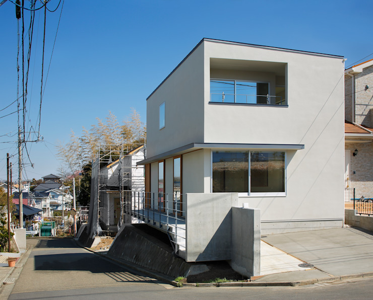 初声町の家 モダンな 家 の 向山建築設計事務所 モダン