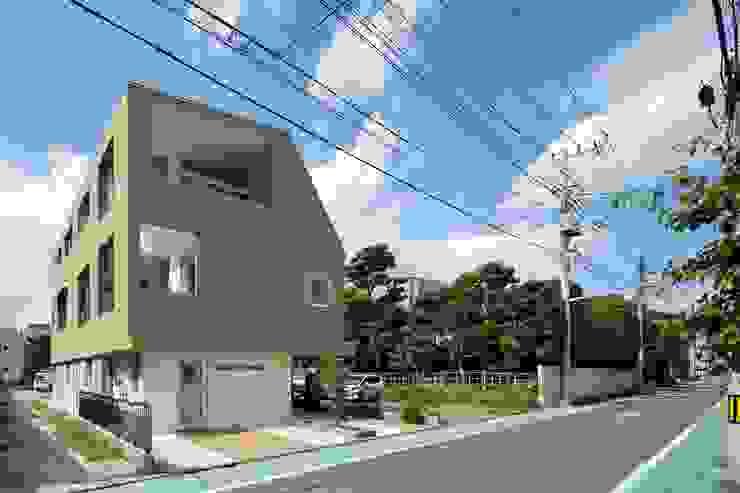 二世帯住宅 - 三鷹の家 モダンな 家 の 向山建築設計事務所 モダン
