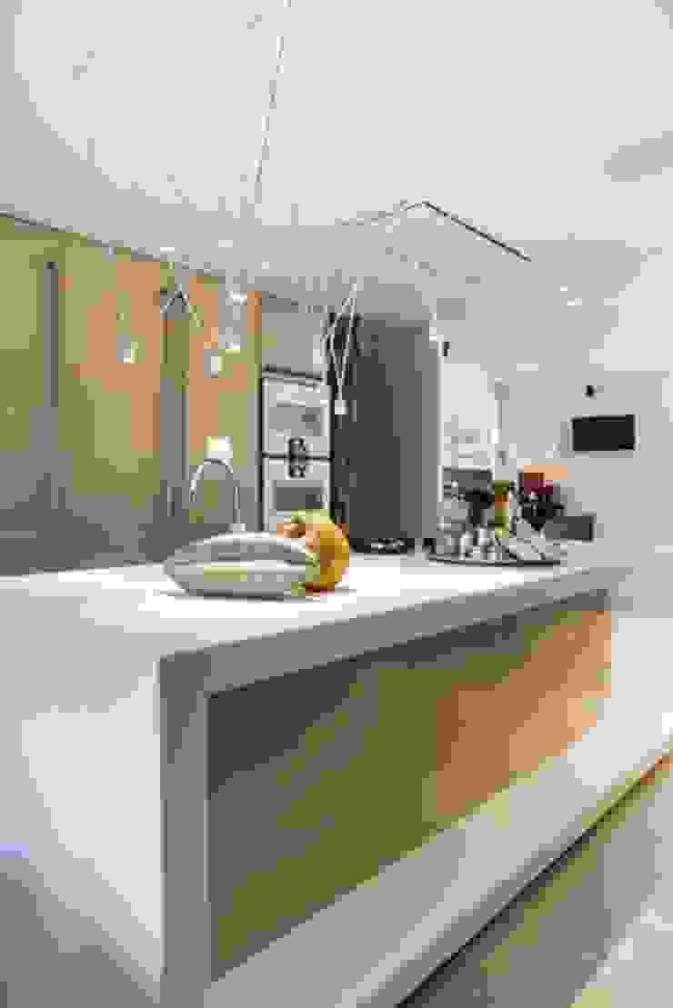 Kookeiland Moderne keukens van SMEELE Ontwerpt & Realiseert Modern