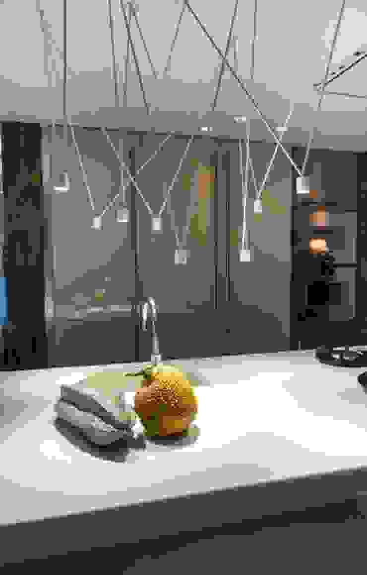 Modern kitchen by SMEELE Ontwerpt & Realiseert Modern