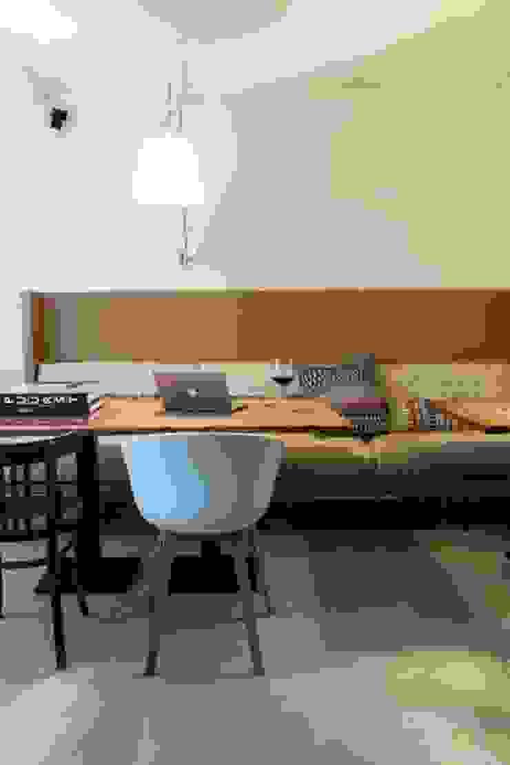 Open eetruimte Moderne eetkamers van SMEELE Ontwerpt & Realiseert Modern