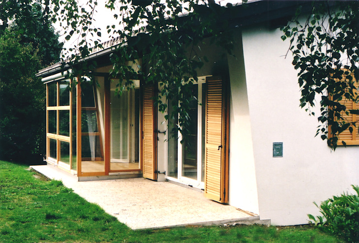 Modern conservatory by dietrich + lang architekten Modern Wood Wood effect