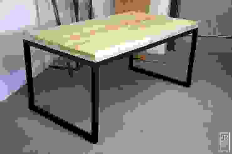 Stół Stary Jesion od Blaise od Blaise Handmade Furniture Minimalistyczny Lite drewno Wielokolorowy