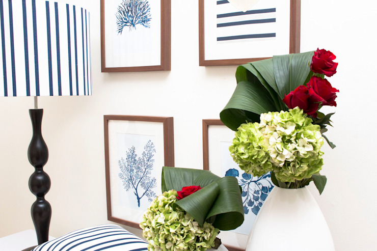 ORCHIDS LOFT by Alexandra Pedro Corridor, hallway & stairsAccessories & decoration Solid Wood Blue