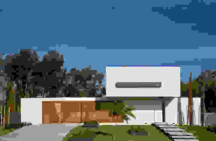 Rumah Modern Oleh VDV ARQ Modern