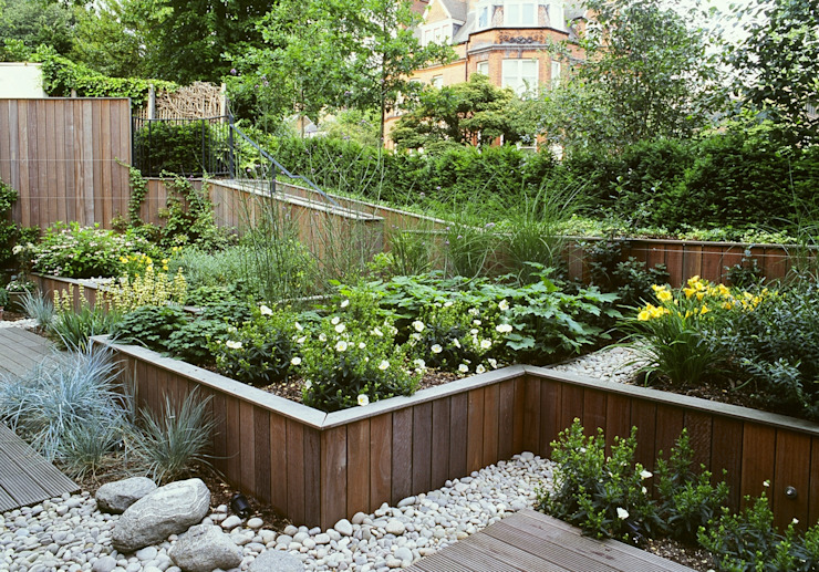 Communal Gardens, London Modern garden by Bowles & Wyer Modern