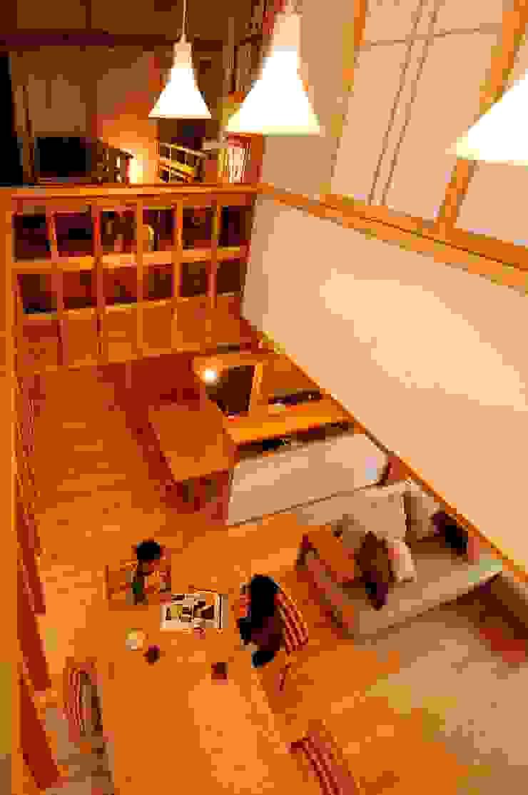 Comedores de estilo asiático de shu建築設計事務所 Asiático Madera Acabado en madera