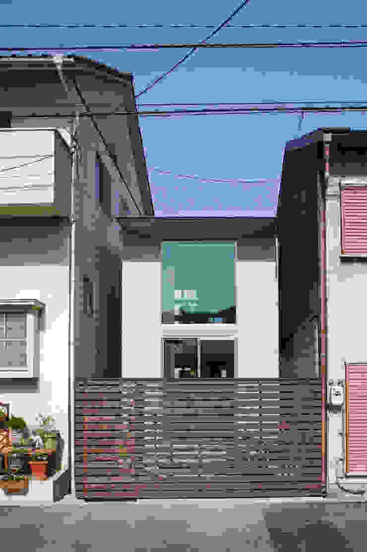南側外観 モダンな 家 の 有限会社Y設計室 モダン