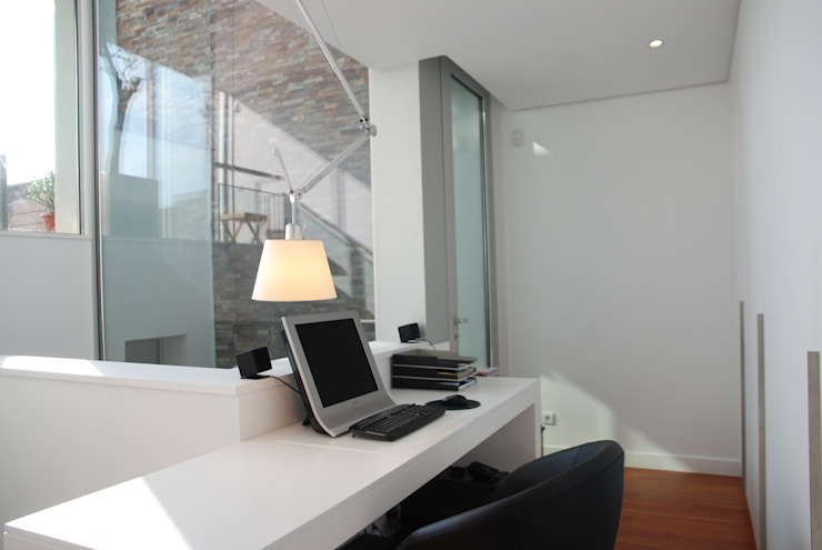 Projecto Vale Pisão – Gabinete de Arquitectura Inexistencia Escritórios modernos por Inexistencia Lda Moderno