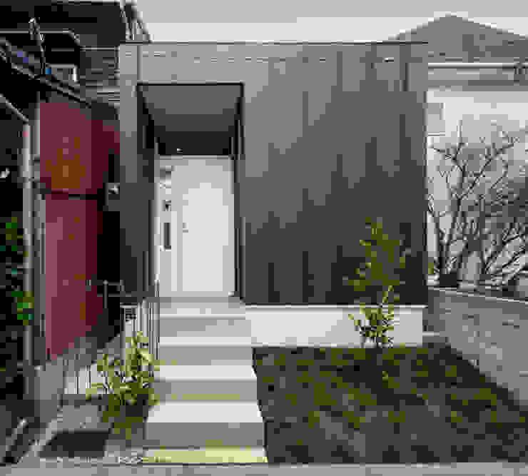Modern houses by 有限会社Y設計室 Modern