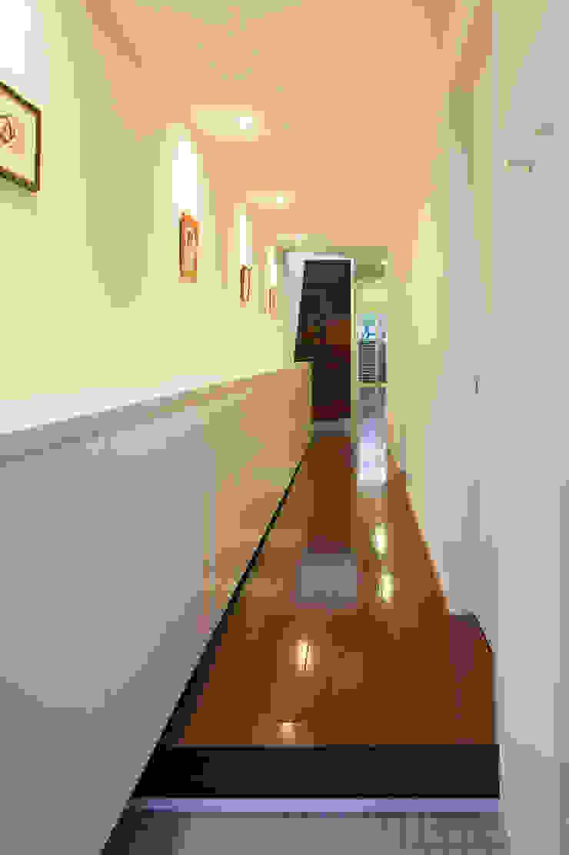 玄関 モダンスタイルの 玄関&廊下&階段 の 有限会社Y設計室 モダン