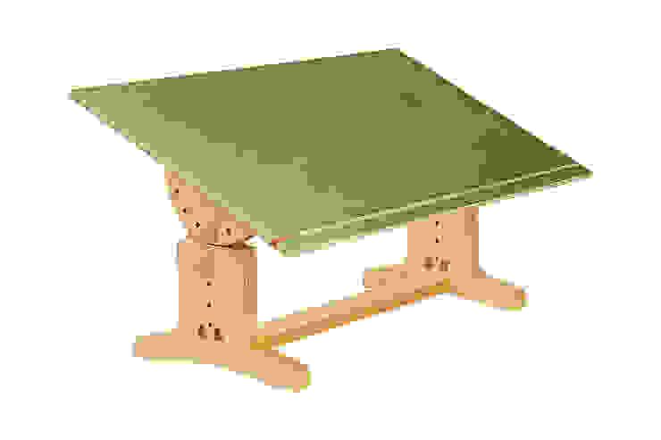 Schreibtisch Grün: modern  von Tischlerei Schade,Modern Holzwerkstoff Transparent