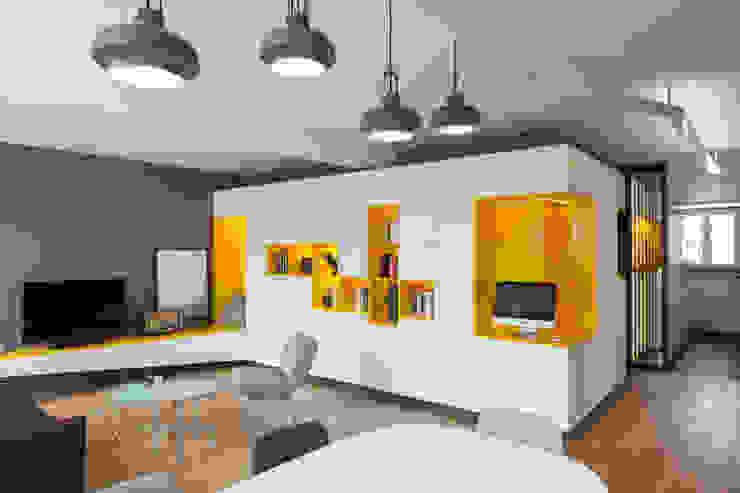 Wohnzimmer von Agence Glenn Medioni, Modern